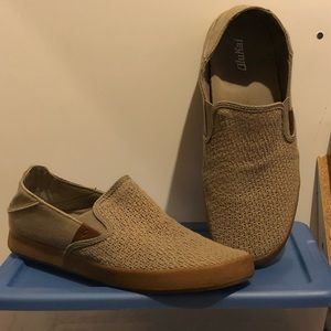 8b146cab209 OluKai Shoes - OluKai Kahu Slip On Sneaker